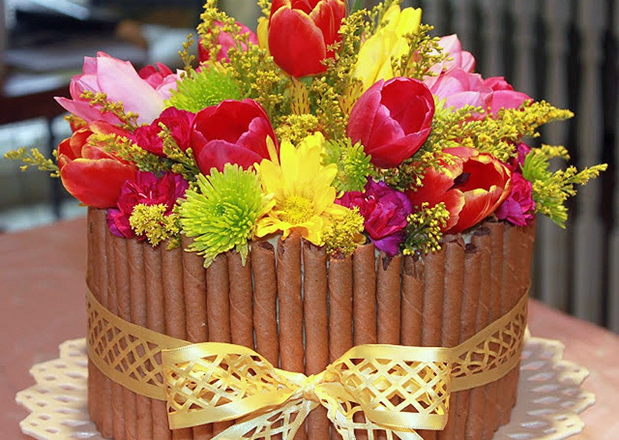 How To Make A Basket Of Flowers Cake : Flower easter basket cake cheery kitchen