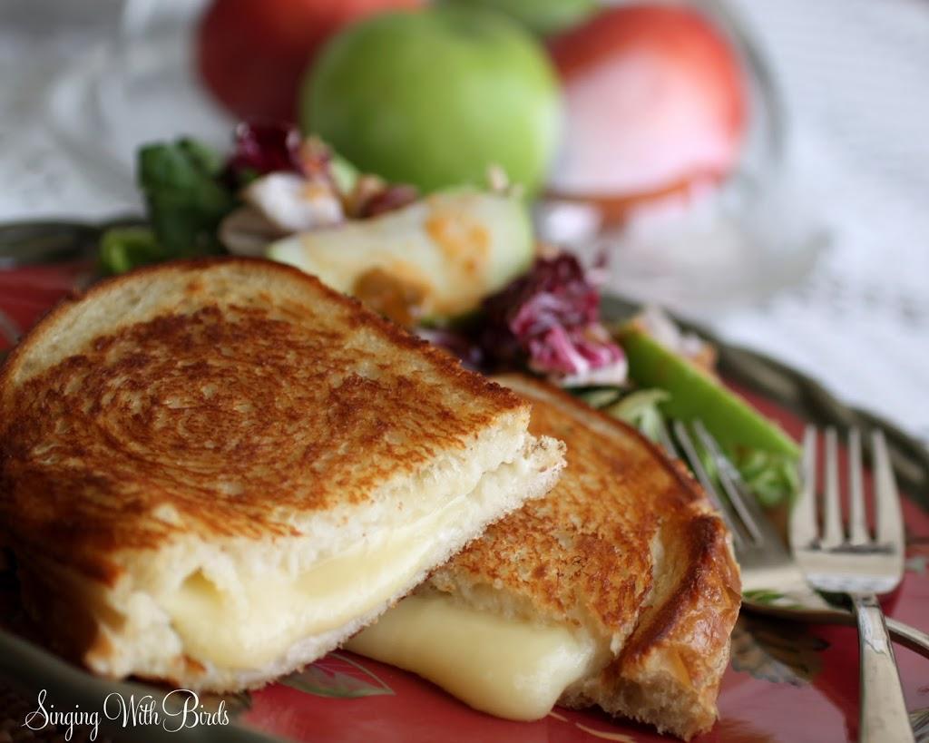 Grilled Jack Cheese Applesauce Sandwiches-Cheery Kitchen