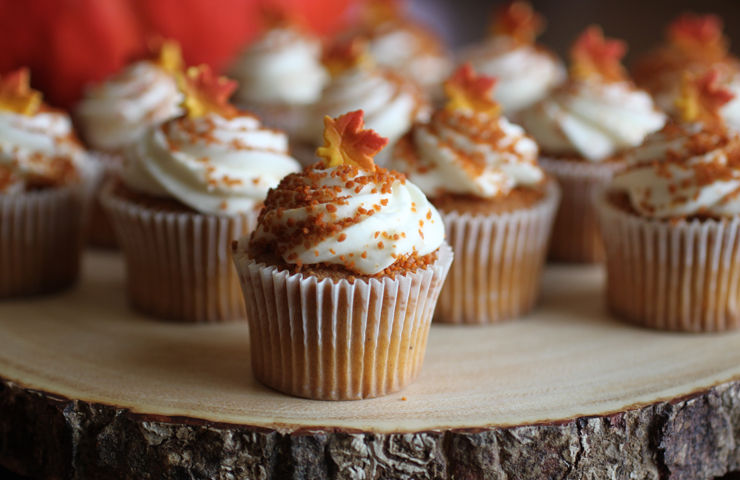 Pumpkin Mini Cakes with Brown Sugar Cream Cheese Frosting