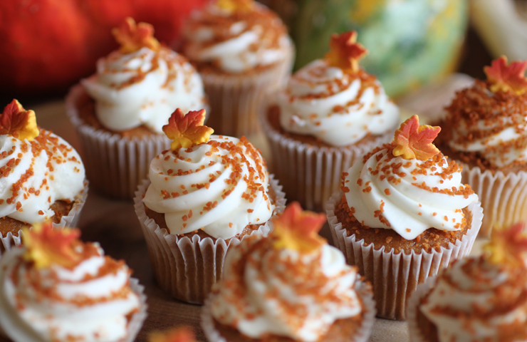 Pumpkin Mini Cakes with Brown Sugar Cream Cheese Frosti Cheery Kitchen