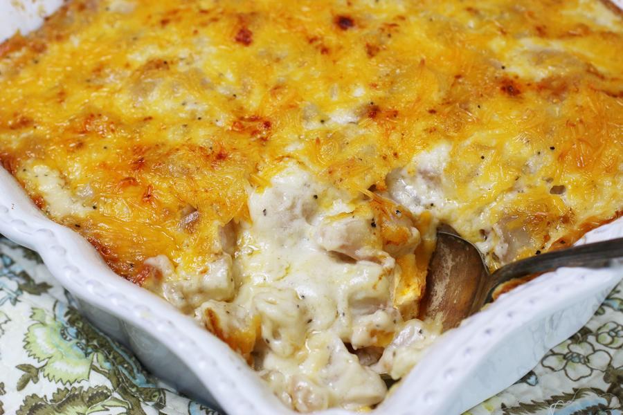 Cheesy Au Gratin Potatoes | cheerykitchen.com