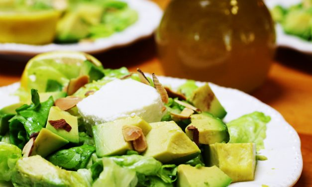 Avocado Butter Lettuce Salad with Lemon Vinaigrette